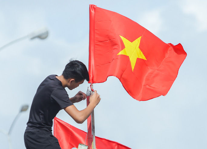 Ngư dân Thanh Hóa xúc động nhận cờ Tổ quốc - Ảnh 18.