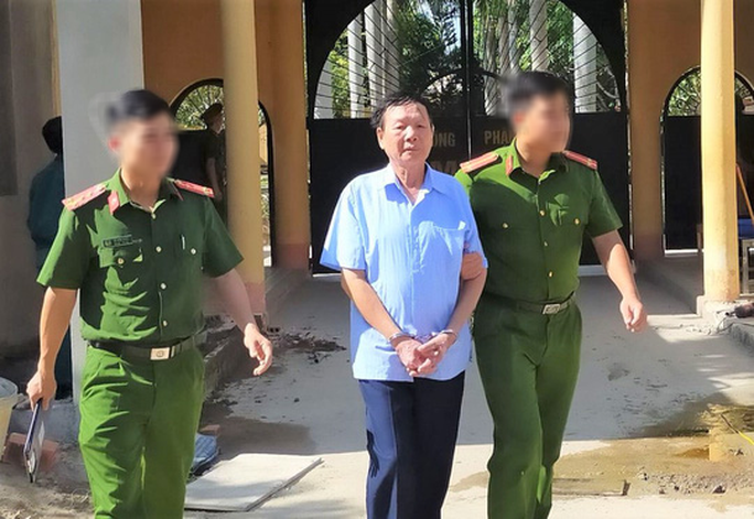 Vu khống nữ Bí thư Huyện ủy, một phóng viên giả bị bắt giam - Ảnh 1.