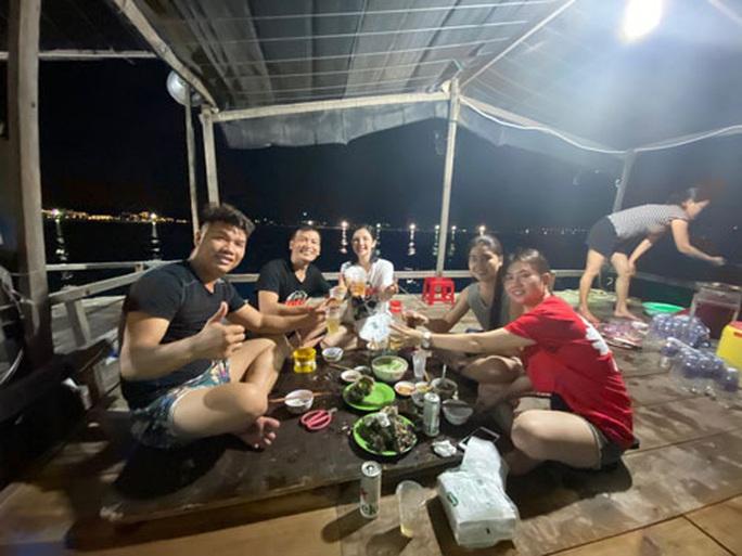 Câu mực đêm ở biển Quy Nhơn - Ảnh 1.