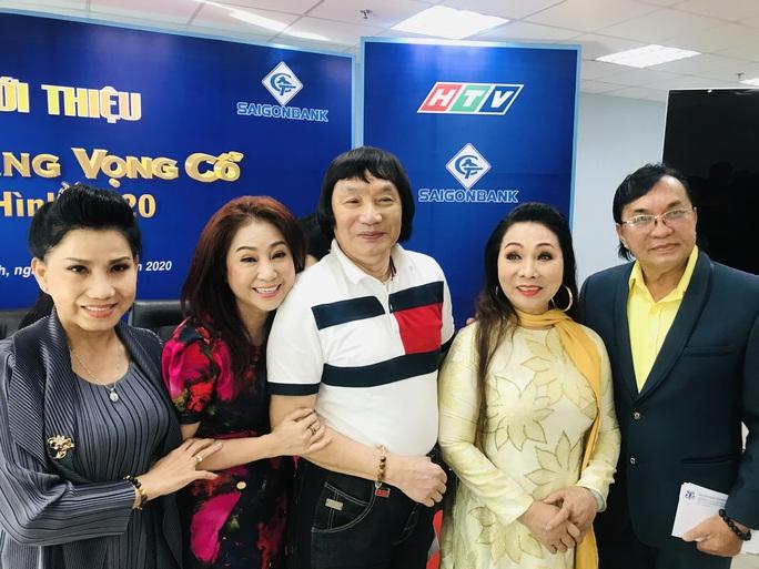 NSND Minh Vương choáng ngợp trước cuộc hội ngộ 15 năm Chuông vàng vọng cổ - Ảnh 1.