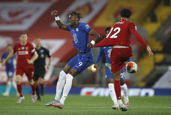 Vùi dập Chelsea, Liverpool tưng bừng nâng cúp vô địch ở Anfield - Ảnh 4.