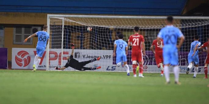 Bị cầm hòa, Viettel mất cơ hội bám đuổi ngôi đầu bảng - Ảnh 2.