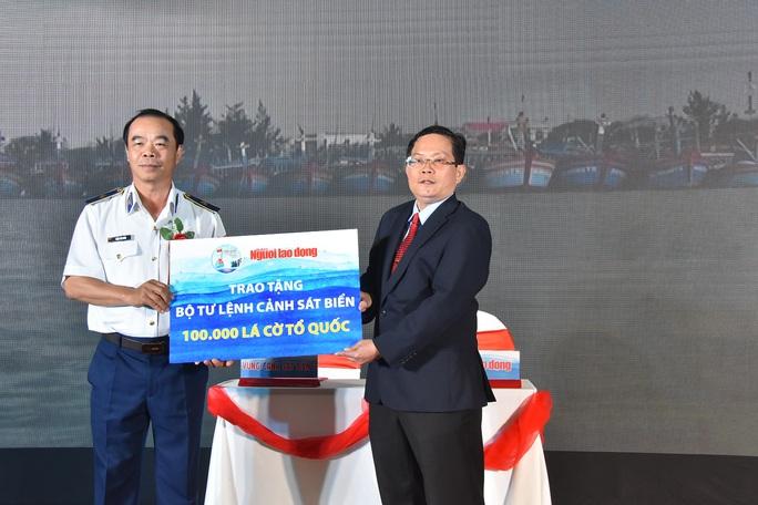 Báo Người Lao Động ký kết Quy chế phối hợp với Bộ Tư lệnh Cảnh sát Biển - Ảnh 6.