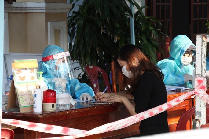 Huy động mọi nguồn lực cứu chữa bệnh nhân Covid-19 ở Đà Nẵng - Ảnh 1.