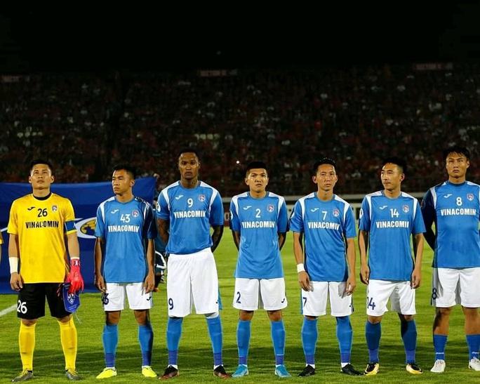 Tiền đạo ngoại chửi thề khi biết Than Quảng Ninh cho Hải Phòng mượn người đá trụ hạng - Ảnh 1.