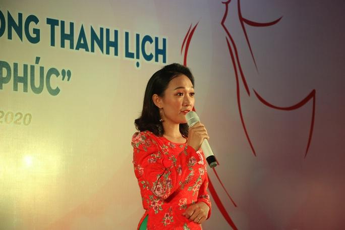 Phạm Ngọc Cầm đăng quang nữ công nhân, viên chức thanh lịch  - Ảnh 2.