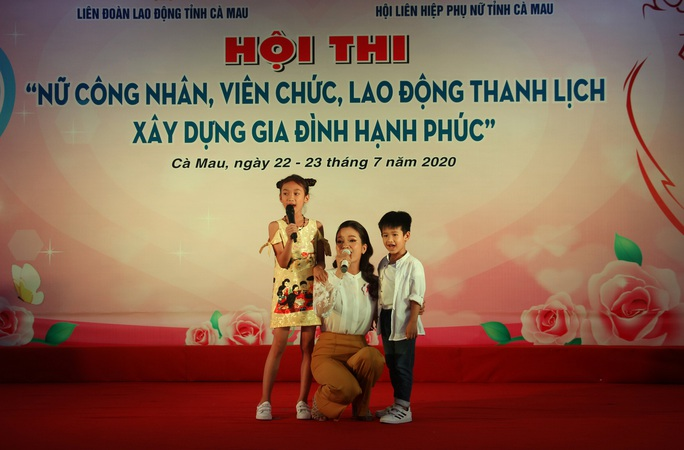 Phạm Ngọc Cầm đăng quang nữ công nhân, viên chức thanh lịch  - Ảnh 3.