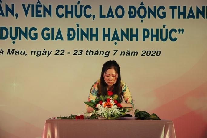 Phạm Ngọc Cầm đăng quang nữ công nhân, viên chức thanh lịch  - Ảnh 5.