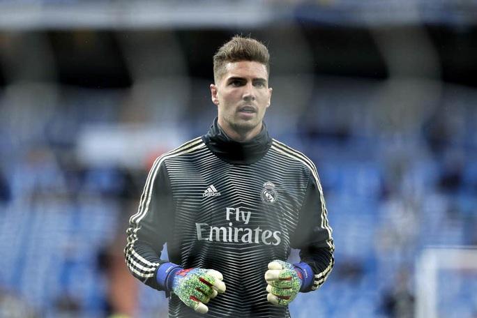 """Zidane """"con""""… """"bật bãi""""  khỏi Real Madrid - Ảnh 1."""