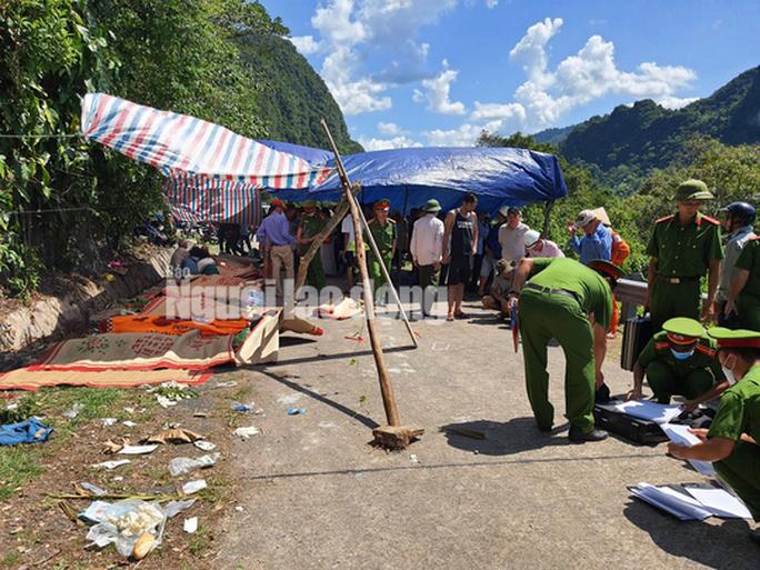 Cận cảnh vụ tai nạn thảm khốc ở khu vực VQG Phong Nha – Kẻ Bàng (Quảng Bình) khiến ít nhất 13 người tử vong - Ảnh 5.