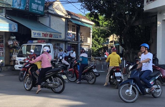 Quảng Ngãi xác định có 127 người tiếp xúc gần bệnh nhân 419 - Ảnh 3.