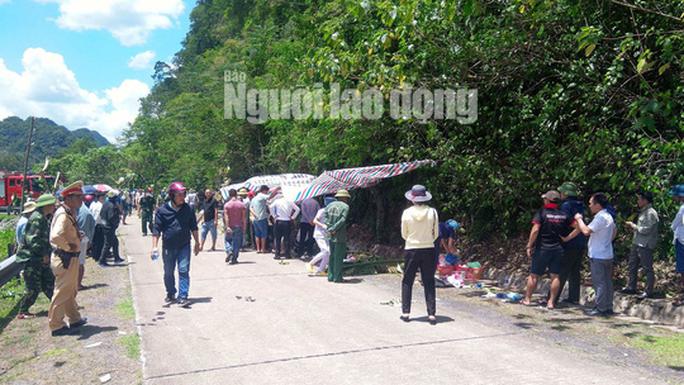 Cận cảnh vụ tai nạn thảm khốc ở khu vực VQG Phong Nha – Kẻ Bàng (Quảng Bình) khiến ít nhất 13 người tử vong - Ảnh 7.