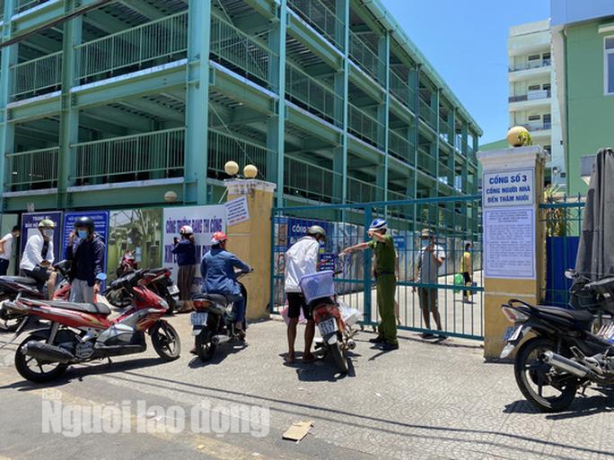 Chính thức cách ly toàn bộ Bệnh viện Đà Nẵng và lấy mẫu xét nghiệm hơn 2.000 nhân viên - Ảnh 1.