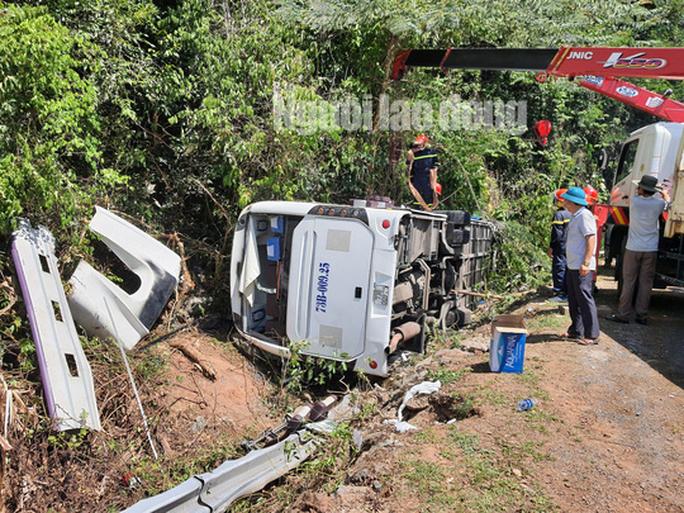 Vụ tai nạn thảm khốc ở Quảng Bình: Thêm 2 nạn nhân tử vong, nâng số người chết lên 15 - Ảnh 2.