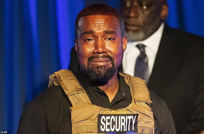 Bêu xấu Kim Kardashian thậm tệ, Kanye West cầu xin vợ tha thứ - Ảnh 2.