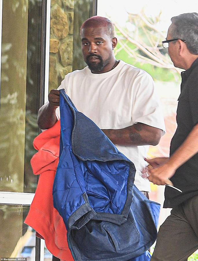 Bêu xấu Kim Kardashian thậm tệ, Kanye West cầu xin vợ tha thứ - Ảnh 1.