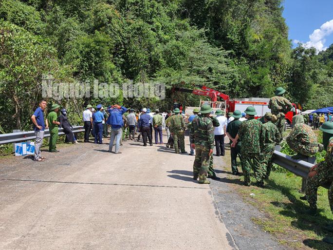 Cận cảnh vụ tai nạn thảm khốc ở khu vực VQG Phong Nha – Kẻ Bàng (Quảng Bình) khiến ít nhất 13 người tử vong - Ảnh 3.