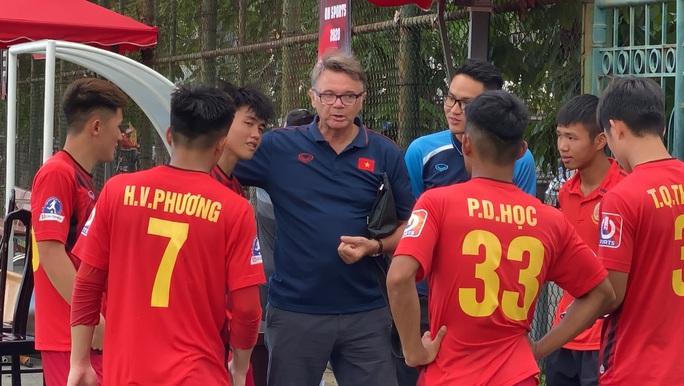 Phù thủy trắng Philippe Troussier chọn 4 cầu thủ trẻ HAGL đang cho CAND mượn lên U19 Việt Nam - Ảnh 3.