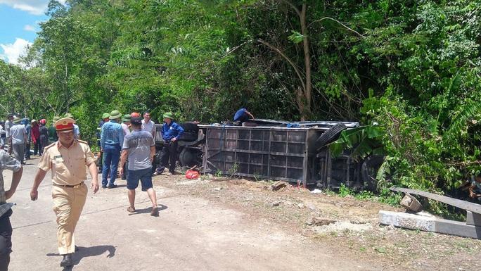 Vụ lật xe thảm khốc ở Quảng Bình: Khởi tố vụ án hình sự - Ảnh 2.