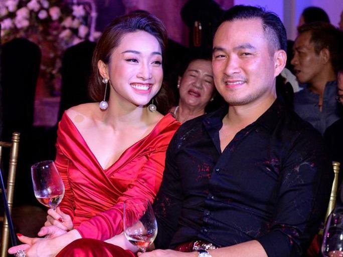 Diễn viên Chi Bảo gây bất ngờ khi lập Chợ tình - Ảnh 3.