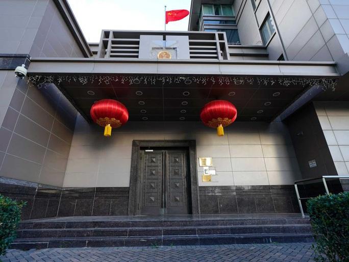 Cuộc đột nhập bí ẩn của Mỹ vào tổng lãnh sự quán Trung Quốc - Ảnh 2.