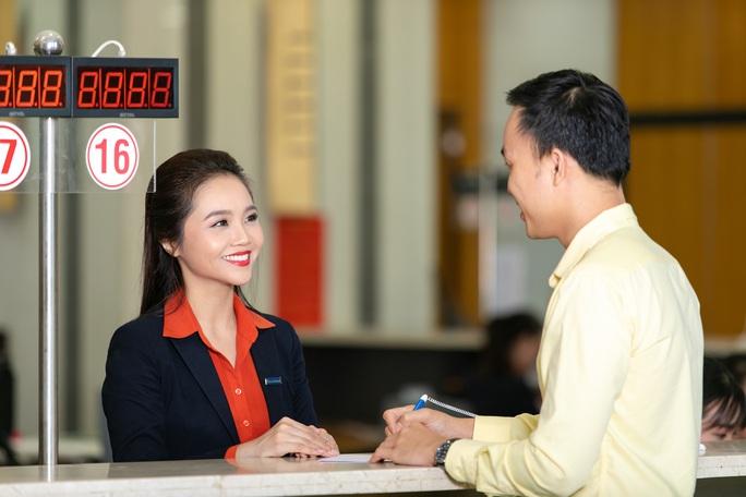 Sacombank kích cầu thanh toán không tiền mặt - Ảnh 2.
