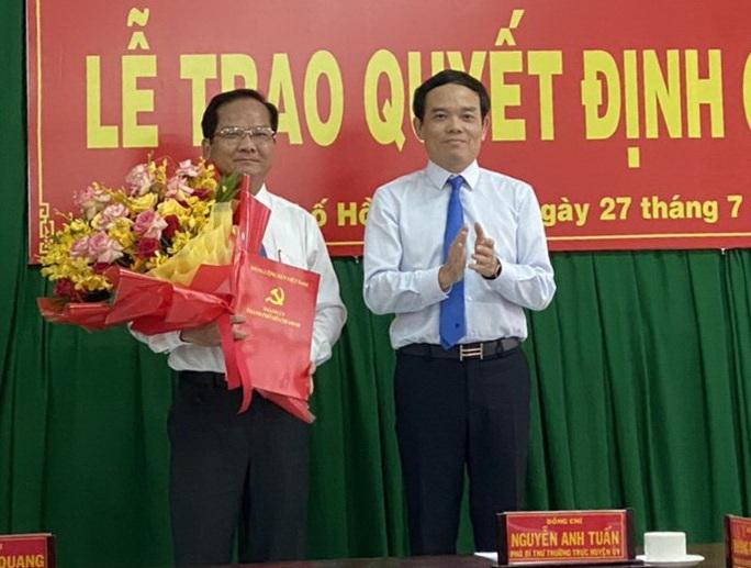 Lãnh đạo Tổng Công ty Cấp nước Sài Gòn làm Bí thư Huyện ủy Hóc Môn - Ảnh 1.
