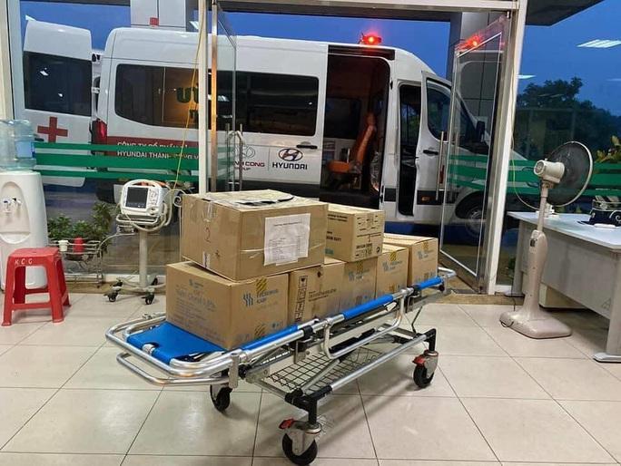 Chuyến bay đón 120 bệnh nhân Covid-19 ở Guinea Xích đạo đã cất cánh - Ảnh 3.