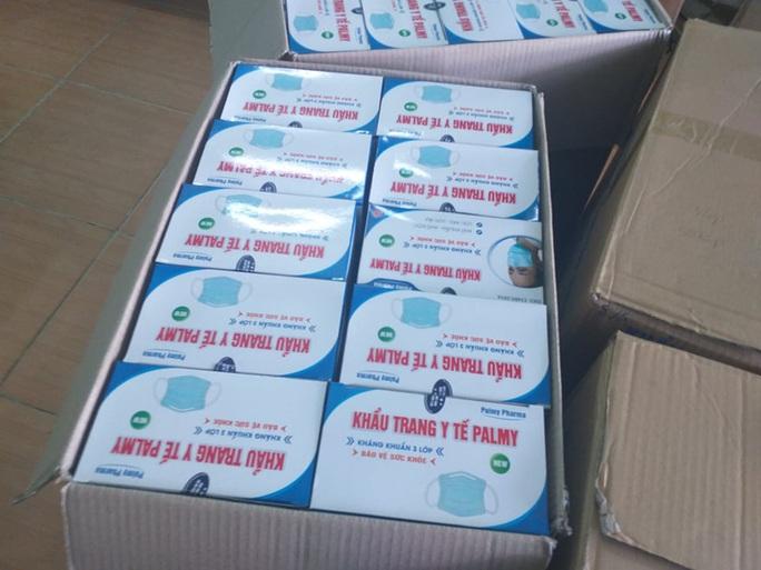 Đà Nẵng: Thu giữ hơn 22.000 khẩu trang y tế không nguồn gốc - Ảnh 2.