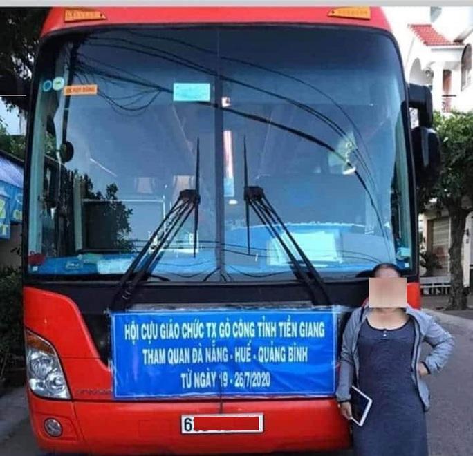 Tiền Giang: Cách ly tại nhà 60 người trong đoàn cựu giáo chức về từ Đà Nẵng - Ảnh 1.