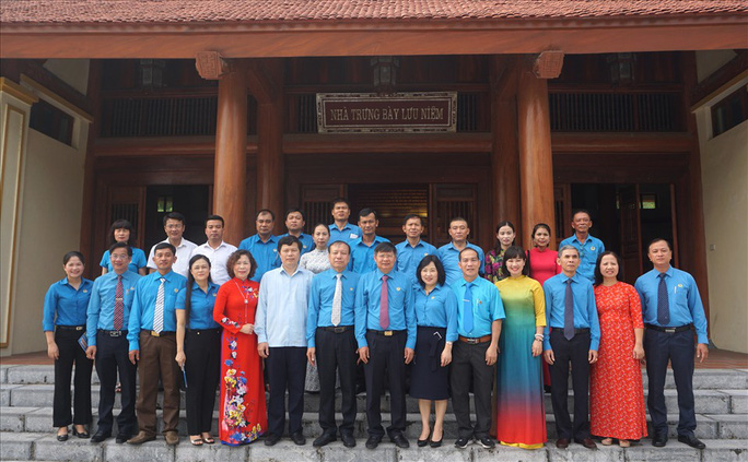 Lãnh đạo Tổng LĐLĐ Việt Nam gặp mặt 10 cán bộ Công đoàn nhận Giải thưởng Nguyễn Văn Linh lần thứ II-2020 - Ảnh 5.