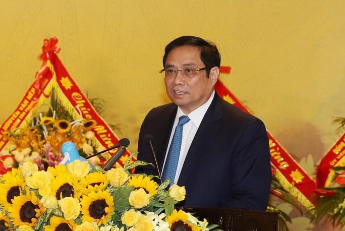 Ông Phạm Minh Chính dự lễ kỷ niệm 90 năm ngày thành lập Đảng bộ tỉnh Thanh Hóa - Ảnh 4.