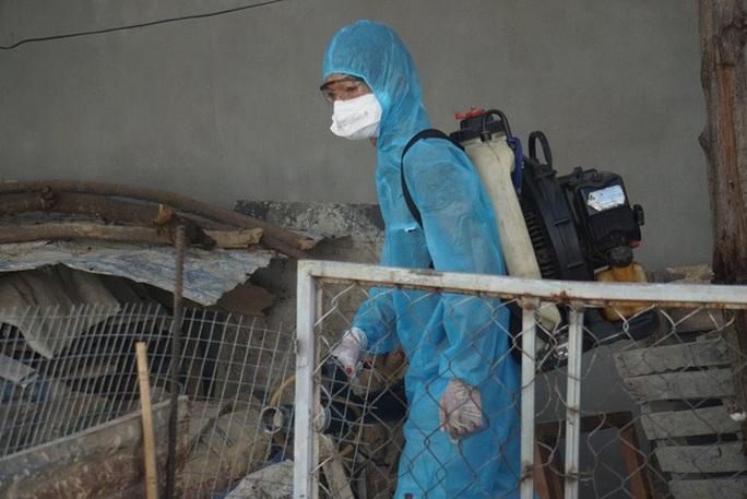 Bộ Y tế chi viện khẩn cấp chuyên gia chống dịch Covid-19 tới Đà Nẵng - Ảnh 1.