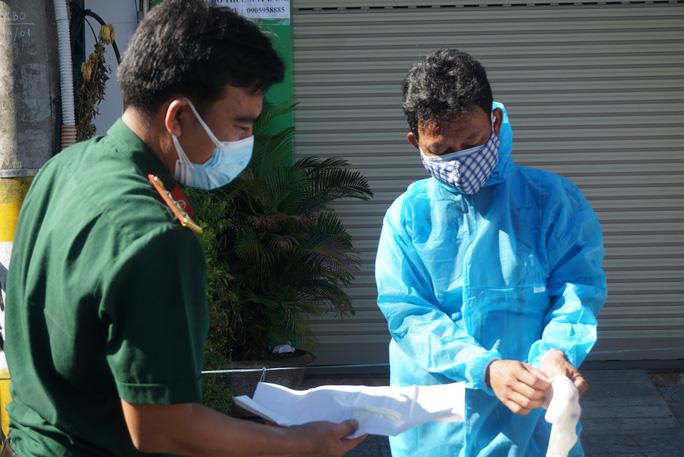 Đà Nẵng tăng cường giải tỏa người âm tính bên trong khu cách ly Bệnh viện Đà Nẵng - Ảnh 1.
