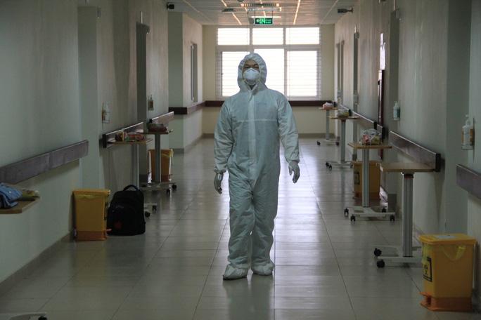15 bệnh nhân sốt cao trên chuyến bay đón công dân từ Guinea Xích đạo về nước - Ảnh 16.