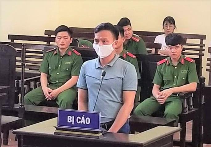 Phá hoại công trình quốc gia từ khi còn trẻ, cựu Chánh văn phòng tòa án huyện lãnh 30 tháng tù treo - Ảnh 1.