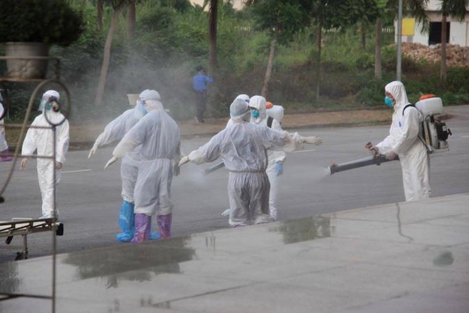 15 bệnh nhân sốt cao trên chuyến bay đón công dân từ Guinea Xích đạo về nước - Ảnh 10.