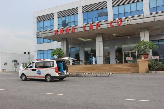 15 bệnh nhân sốt cao trên chuyến bay đón công dân từ Guinea Xích đạo về nước - Ảnh 1.
