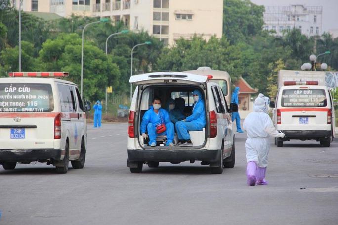 15 bệnh nhân sốt cao trên chuyến bay đón công dân từ Guinea Xích đạo về nước - Ảnh 6.