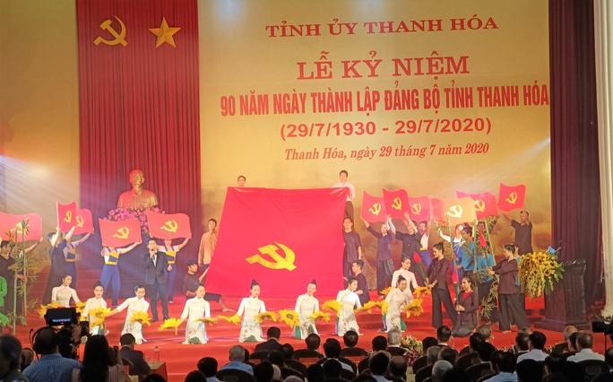 Ông Phạm Minh Chính dự lễ kỷ niệm 90 năm ngày thành lập Đảng bộ tỉnh Thanh Hóa - Ảnh 2.