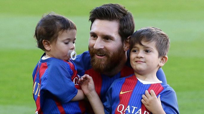 """Xứ Catalan """"ăn theo""""… Messi - Ảnh 1."""