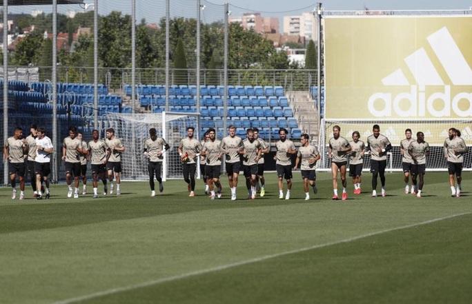 Sao trẻ dính Covid-19, đe dọa đại chiến Man City – Real Madrid - Ảnh 4.