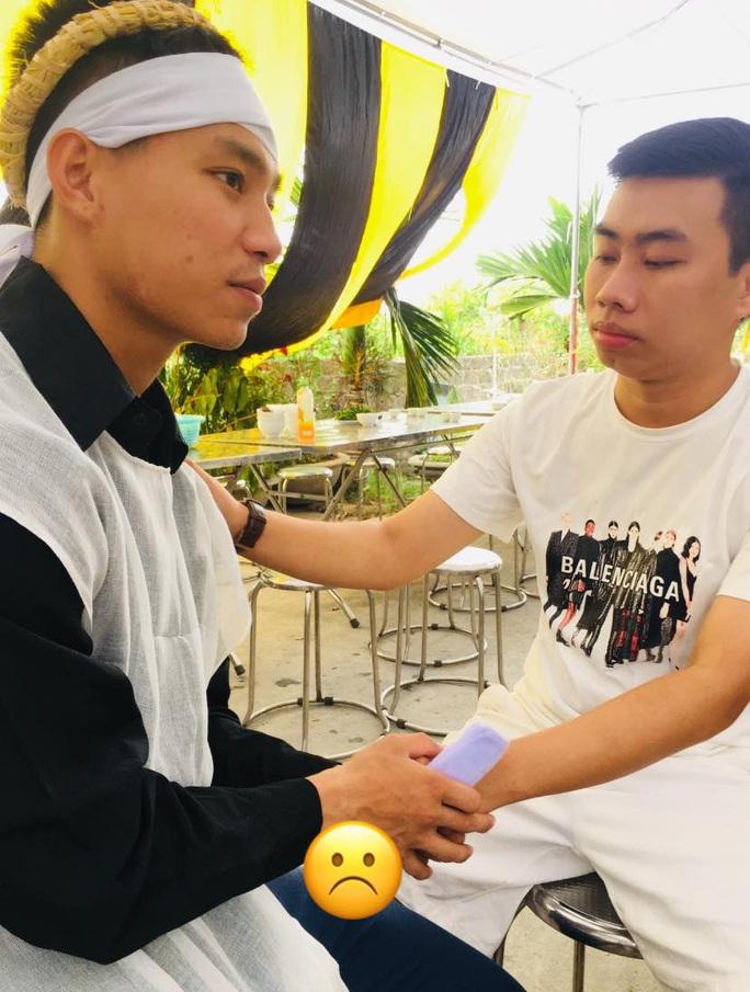 HLV Park Hang-seo về Hải Dương chia buồn nỗi đau mất cha của hậu vệ Vũ Văn Thanh - Ảnh 2.