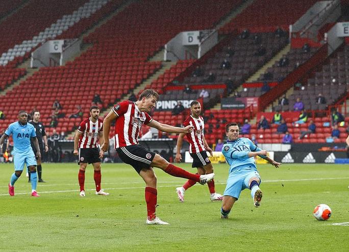 Thua thảm tân binh, Tottenham vỡ mộng dự cúp châu Âu - Ảnh 2.