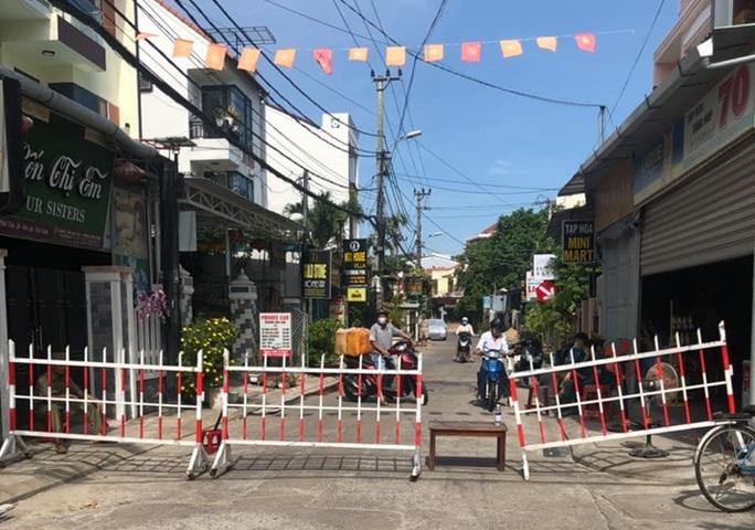 Quảng Nam phạt 2 người không khai báo tạm trú 1,45 triệu đồng - Ảnh 1.