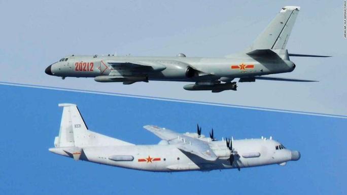 Không quân Nhật đón lõng chờ máy bay quân sự Trung Quốc - Ảnh 1.