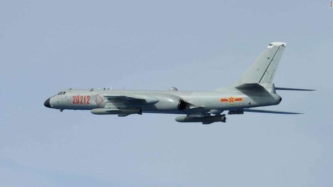 Không quân Nhật đón lõng chờ máy bay quân sự Trung Quốc - Ảnh 3.