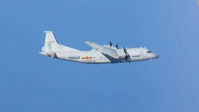 Không quân Nhật đón lõng chờ máy bay quân sự Trung Quốc - Ảnh 4.