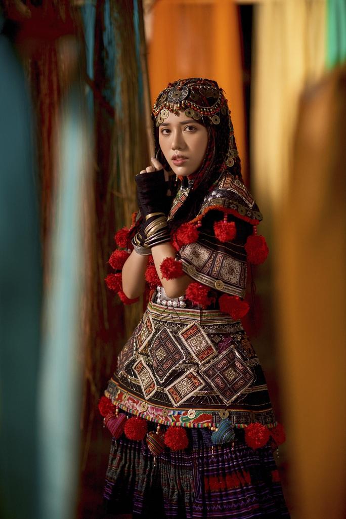 Variety: Phùng Khánh Linh là hiện tượng nhạc Pop Việt Nam - Ảnh 1.