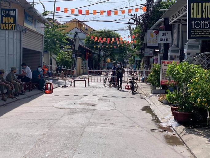 Sau Hội An, Quảng Nam tiếp tục cách ly xã hội 5 huyện, thị xã - Ảnh 1.